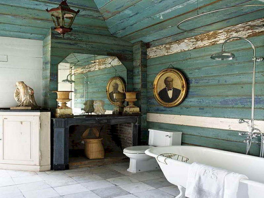 Klassiskt badrum i blått och vitt