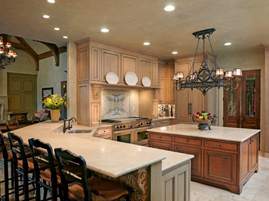 Utsökt ljuskrona i köket