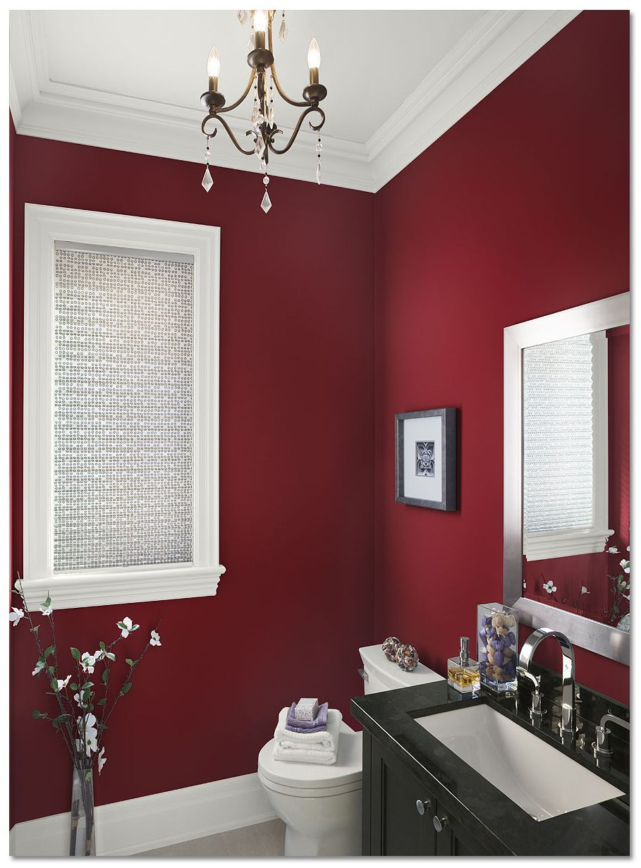 Graciösa vinrött färgat badrum