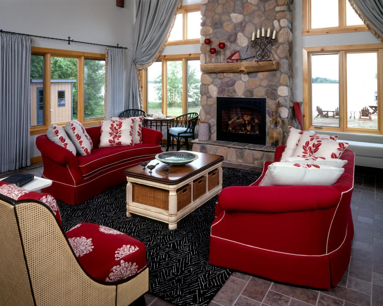 Vackra röda soffa vardagsrum idéer