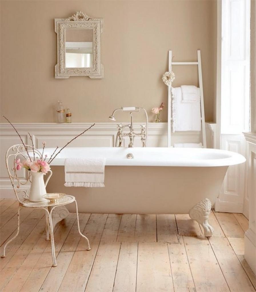 Vintage beige badrum