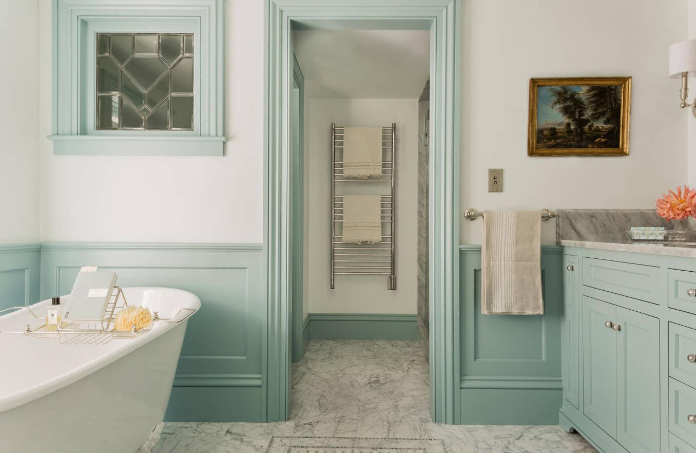 Neutral badrum i marmor