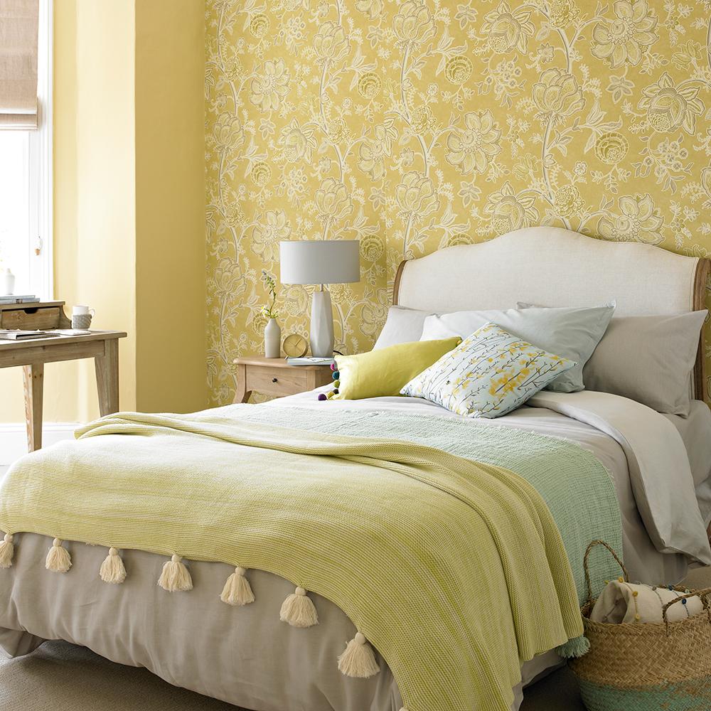 Tyst gult sovrum