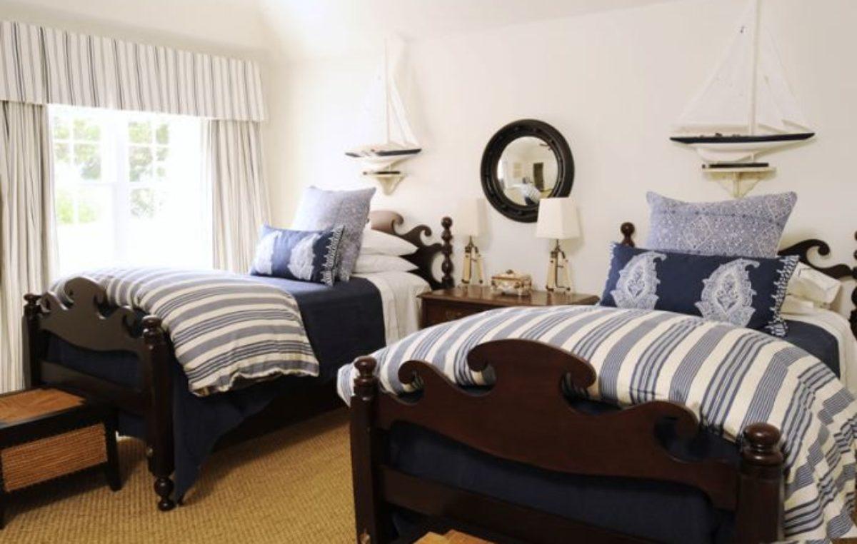 Kreativt mörkblått sovrum