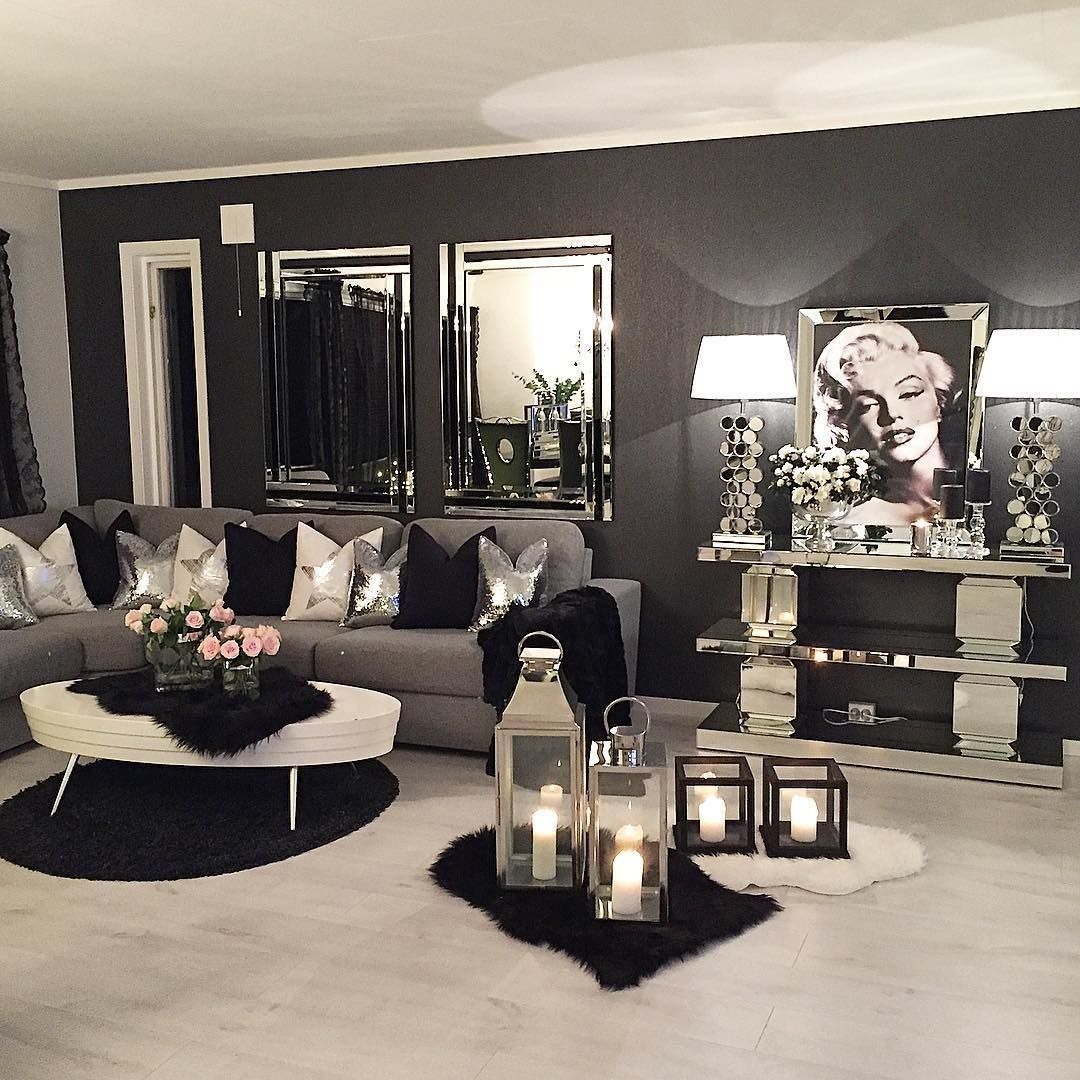 Fantastiskt svart vardagsrum