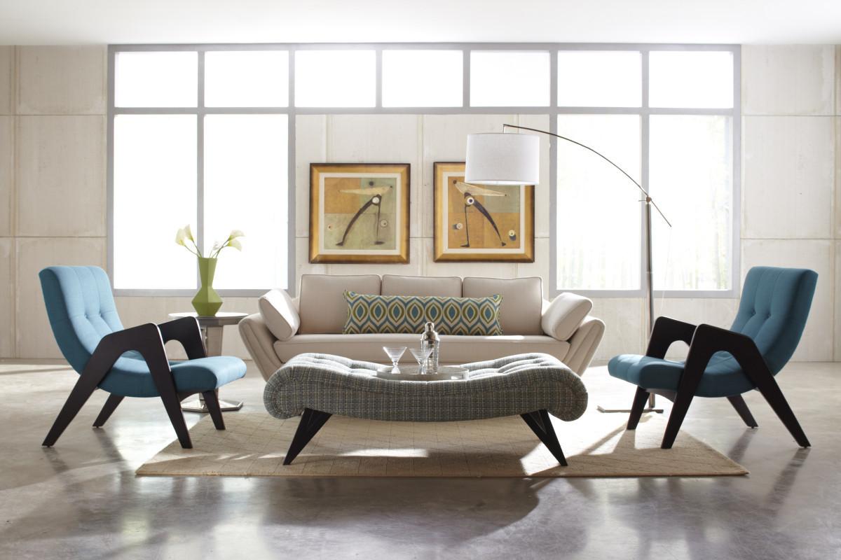 Vägg med fönsterpaket i ett vardagsrum