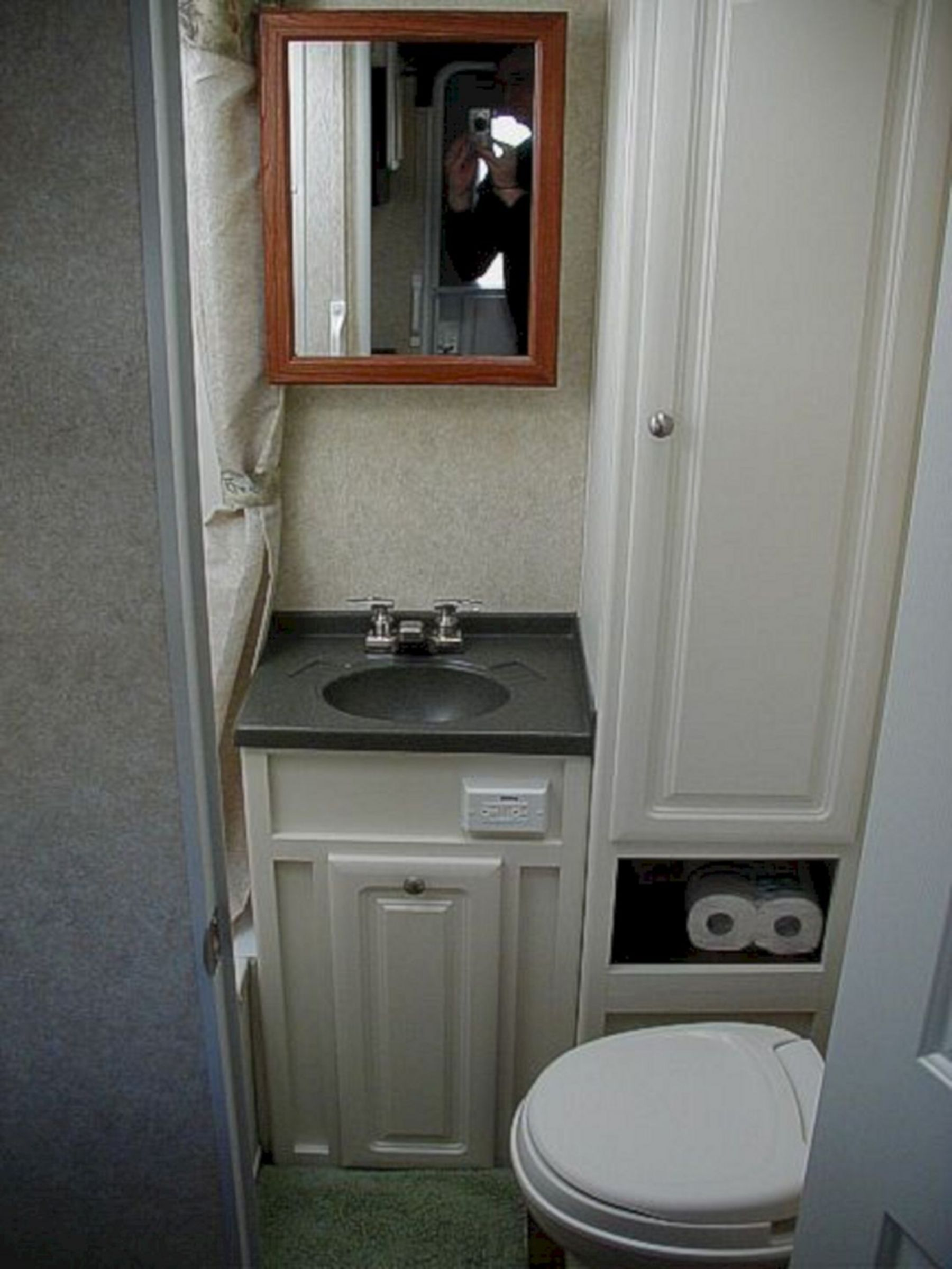 Förföriskt RV-badrum