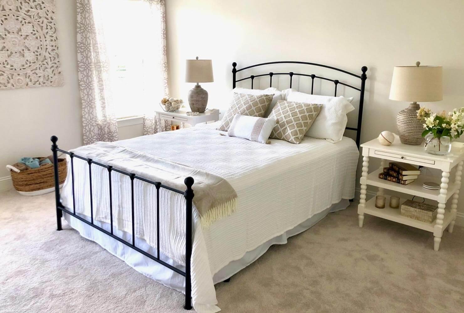 Modernt klassiskt sovrumsskrivbord