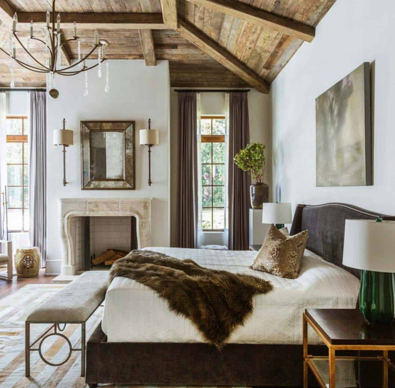 Elegant bondgård sovrum