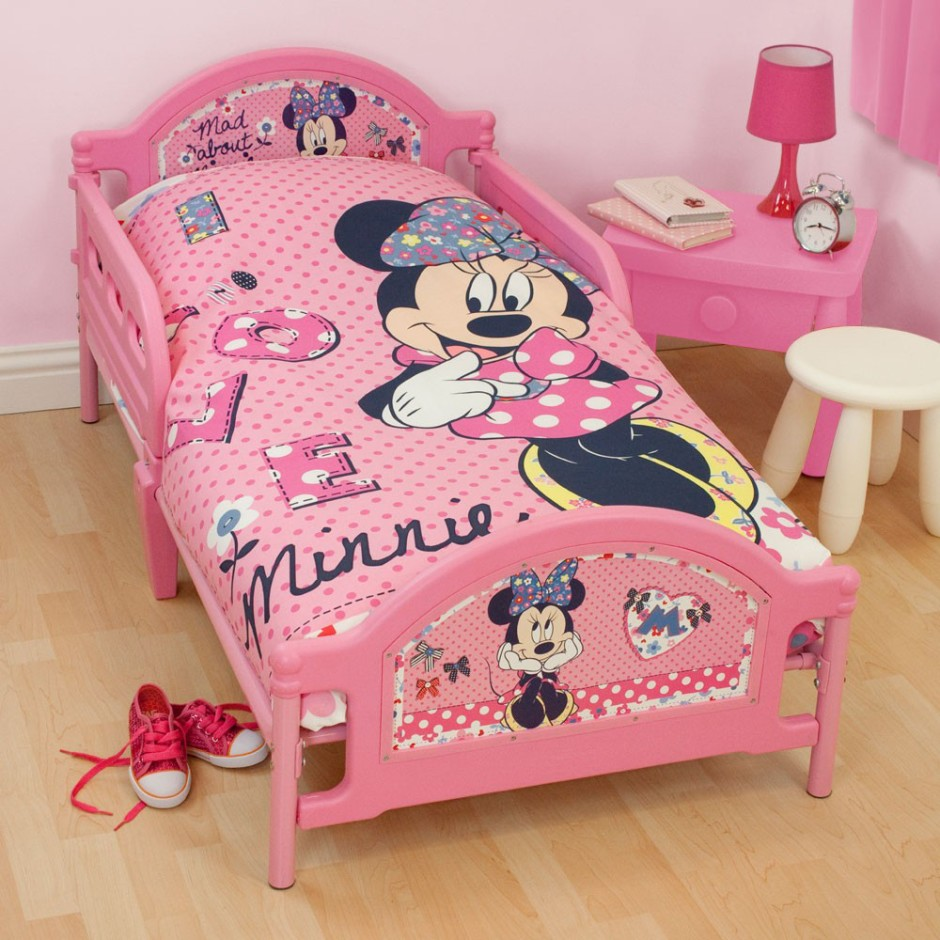 Trevligt Minnie Mouse sovrum