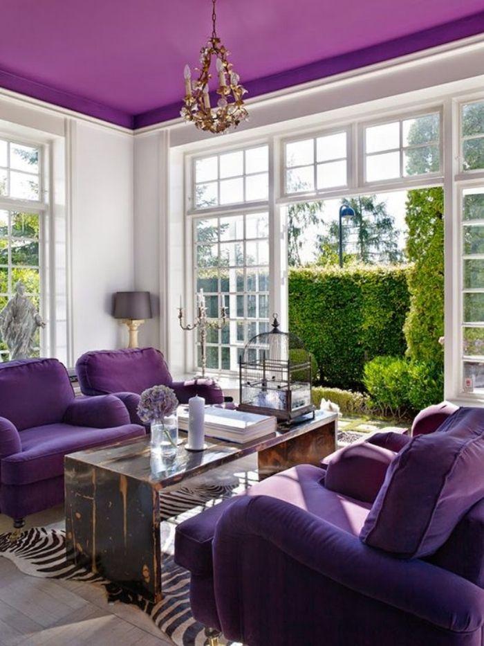 Livligt, elegant vardagsrum.