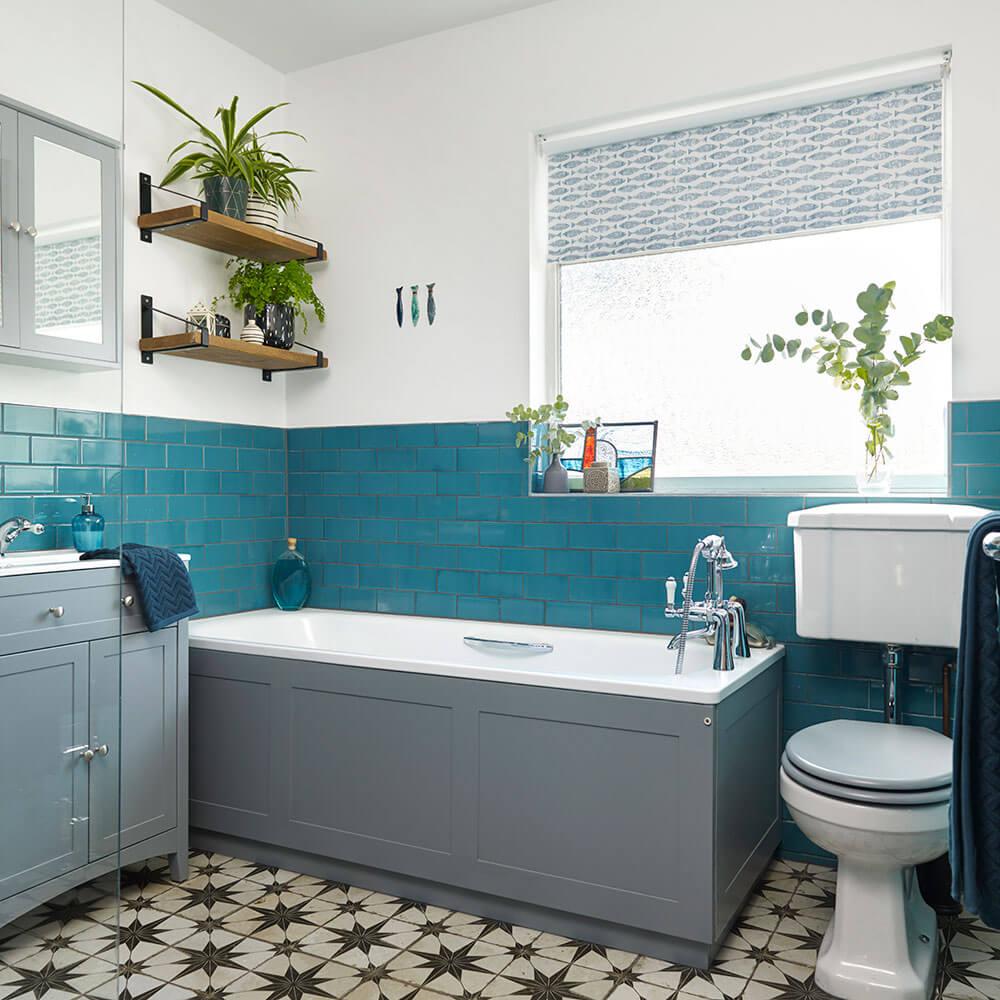 Blå DIY fåfänga badrum