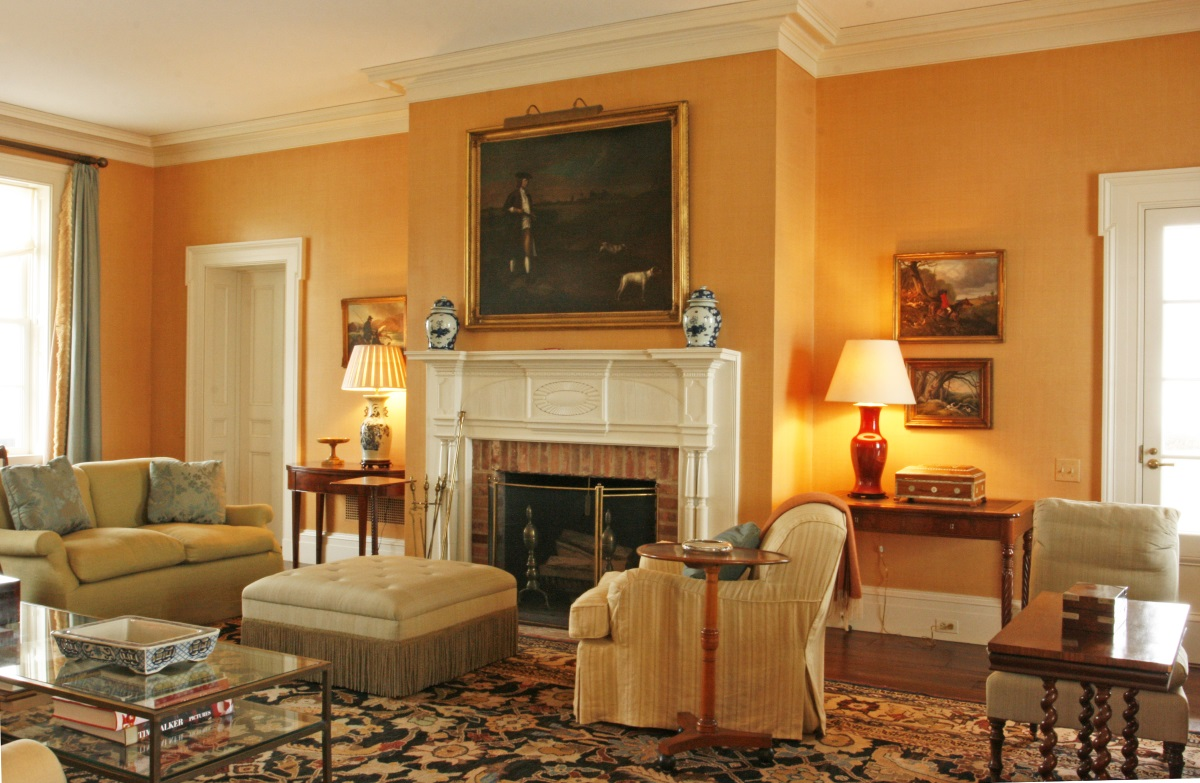 Klassiskt orange vardagsrum