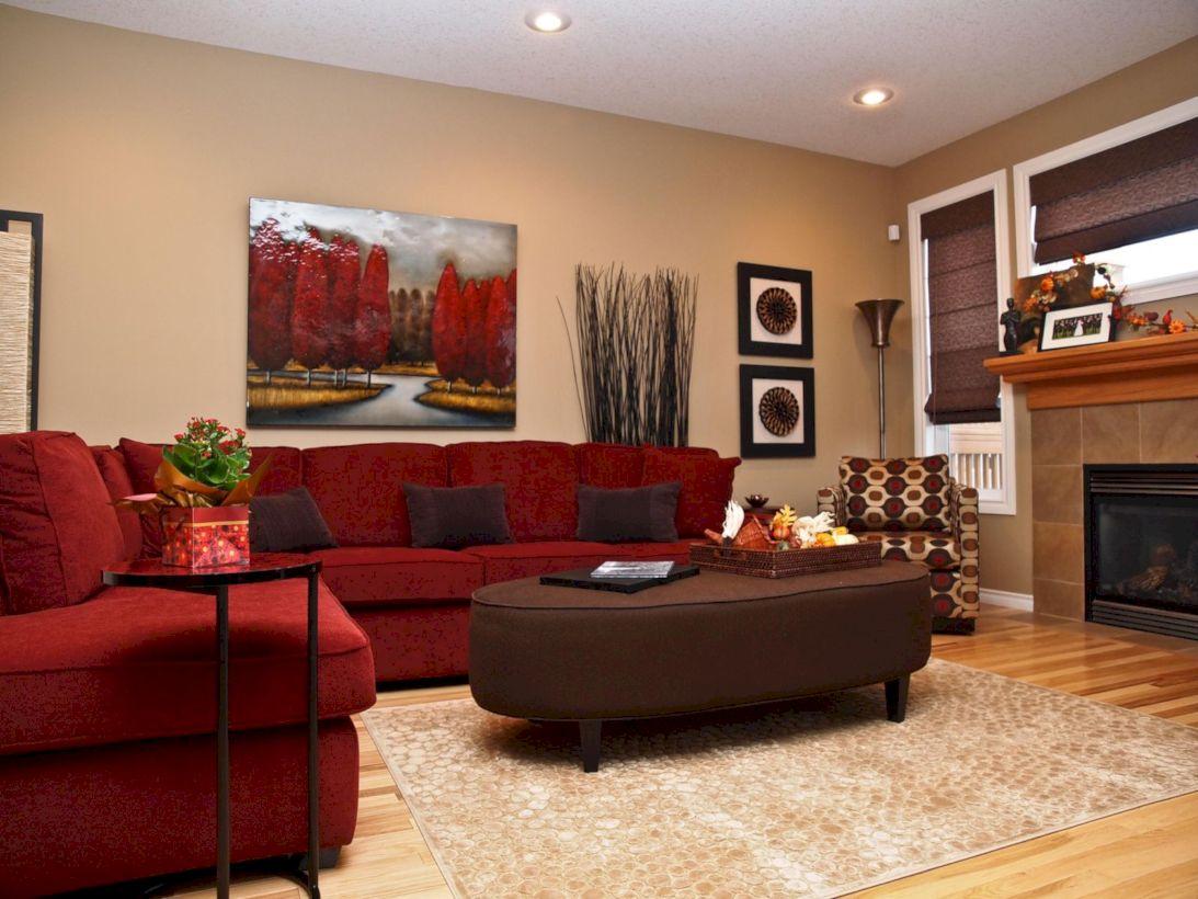 Cushy Red Sectional Couch Set i det varma vardagsrummet