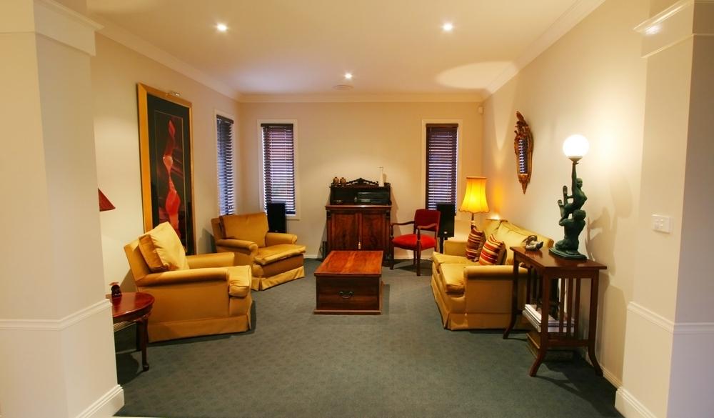 Traditionellt formellt vardagsrum