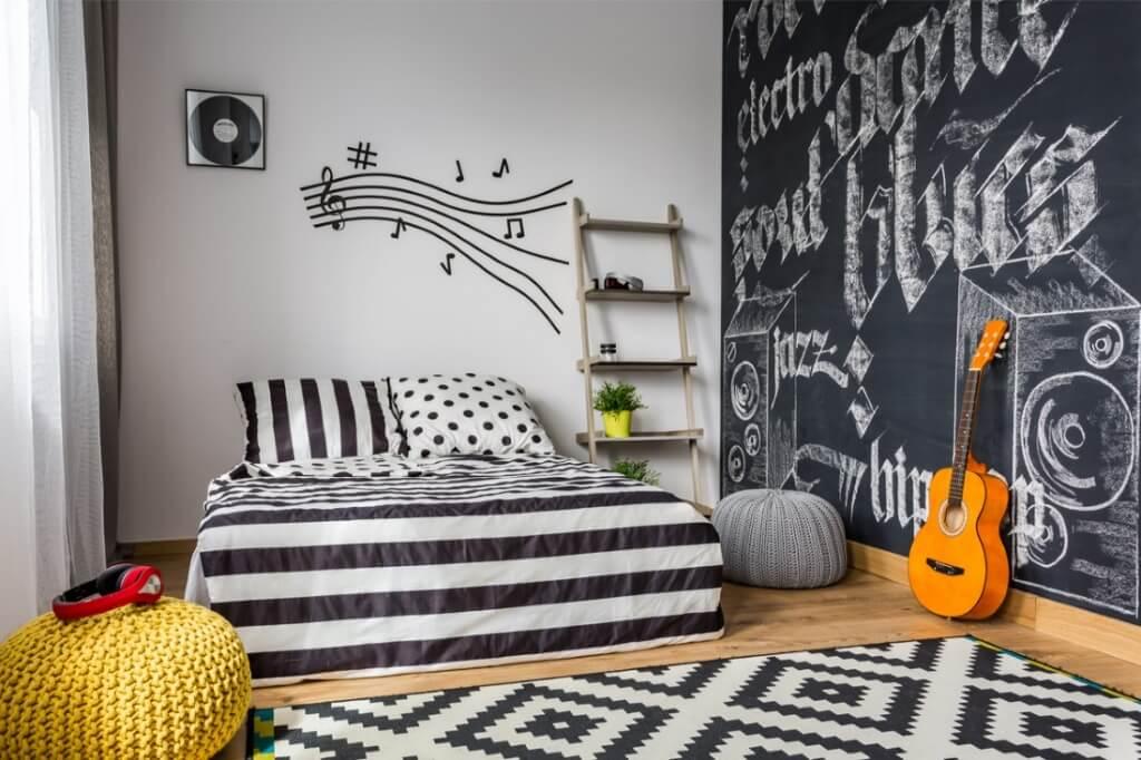 Handgjord vägg för sovrumsaccent