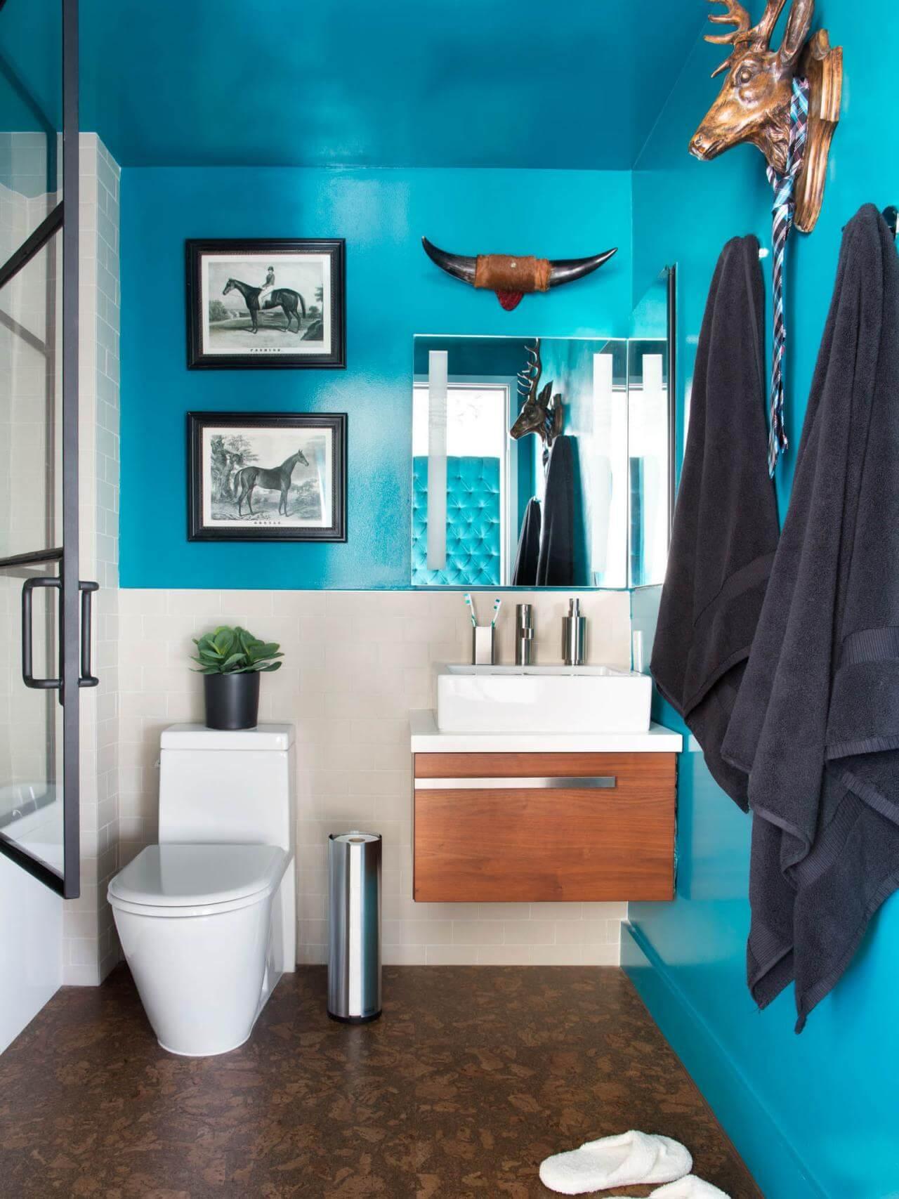 Unikt blågrönt badrum