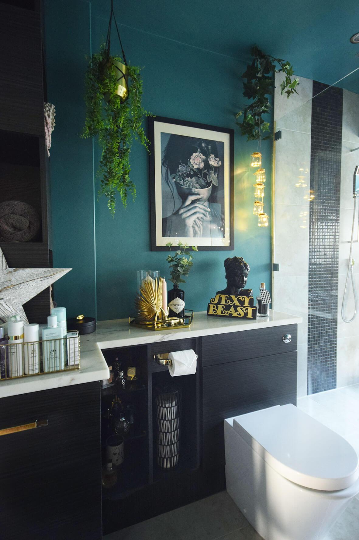 Snyggt kricka badrum