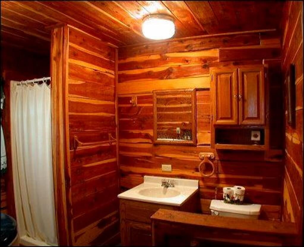 Tyst stuga badrum