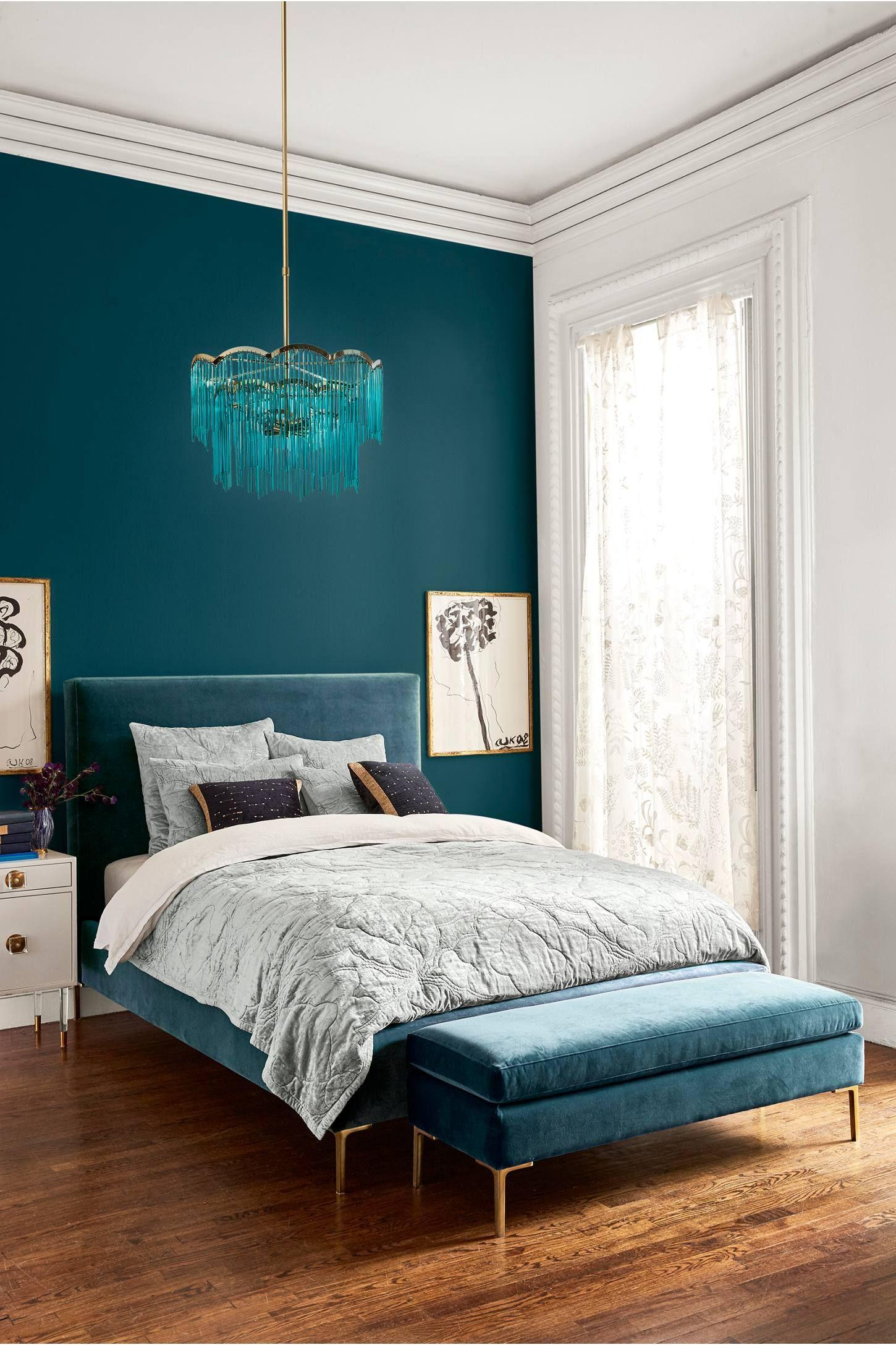 Elegant samtida sovrum
