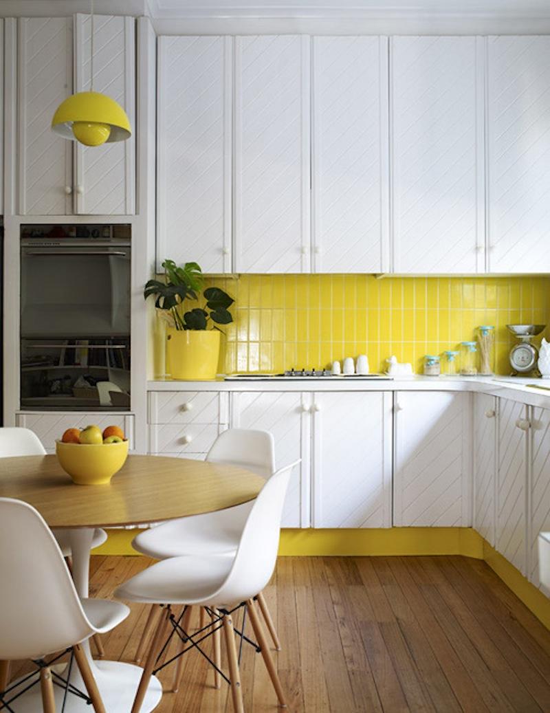 Glad hänglampa i köket