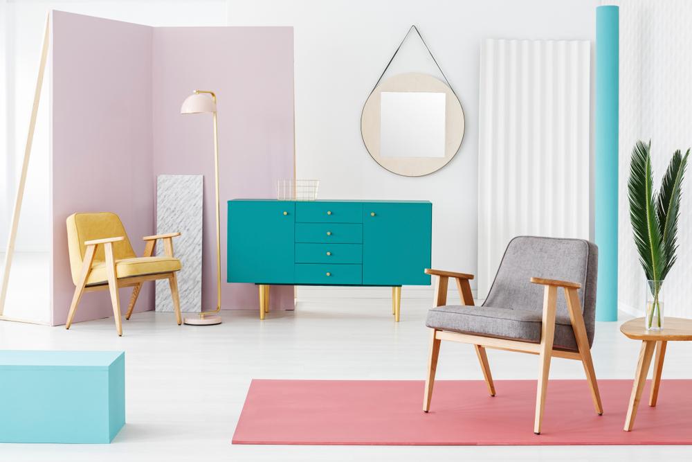 Pastellidé i ett färgglatt vardagsrum