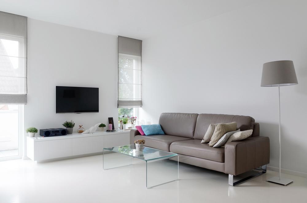 En eller två sits soffa i vardagsrummet
