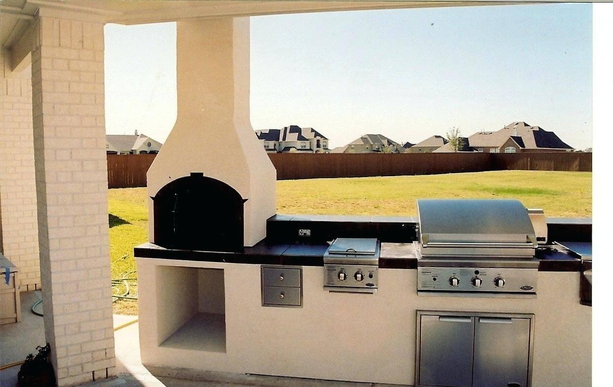 Utomhus kök med modern spis