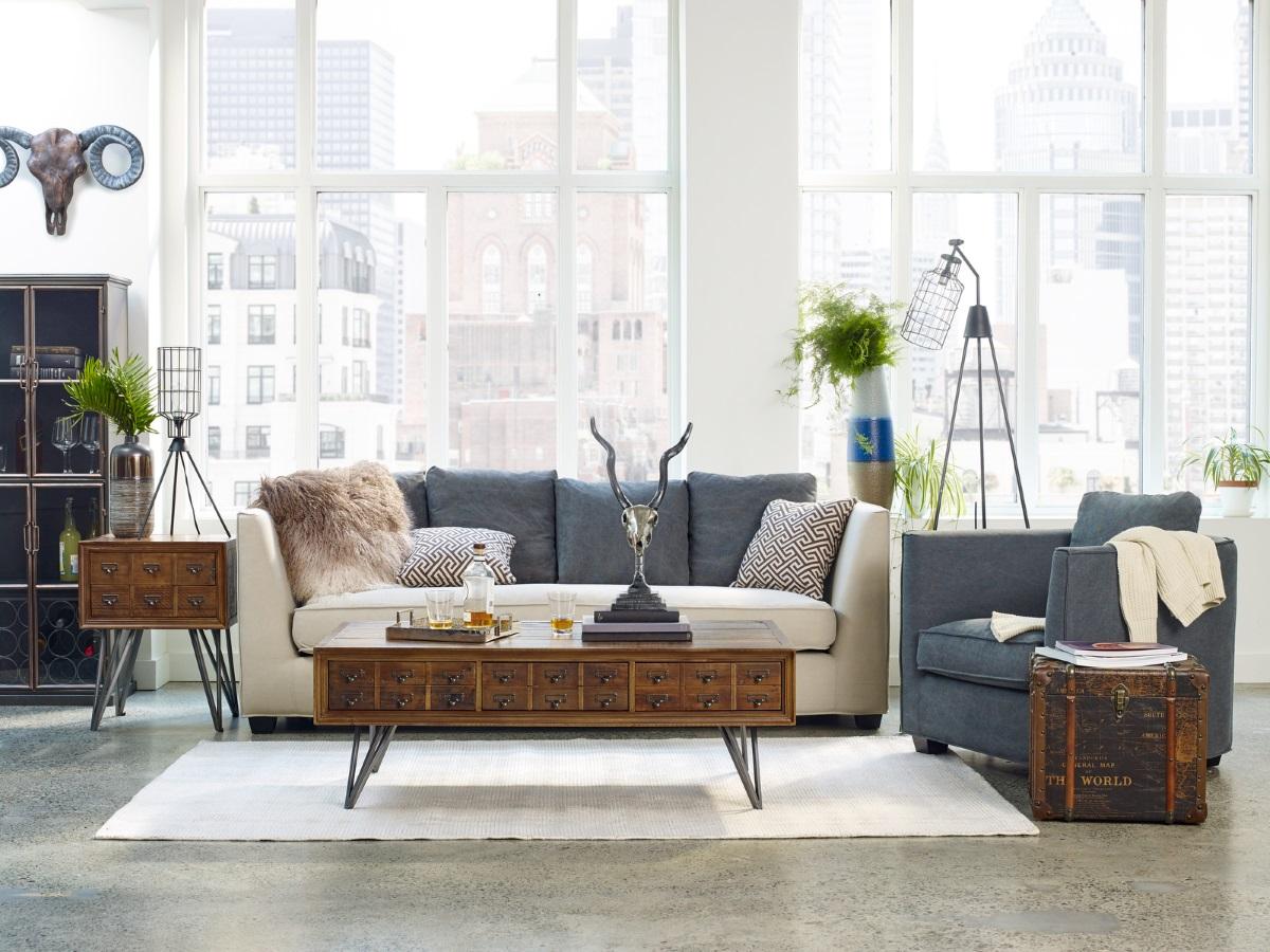 modernt vintage vardagsrum.  Källa: moeshome.com