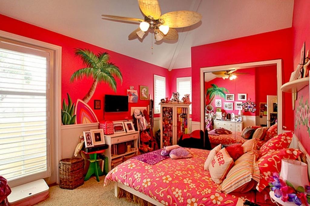 Charmigt tropiskt sovrum