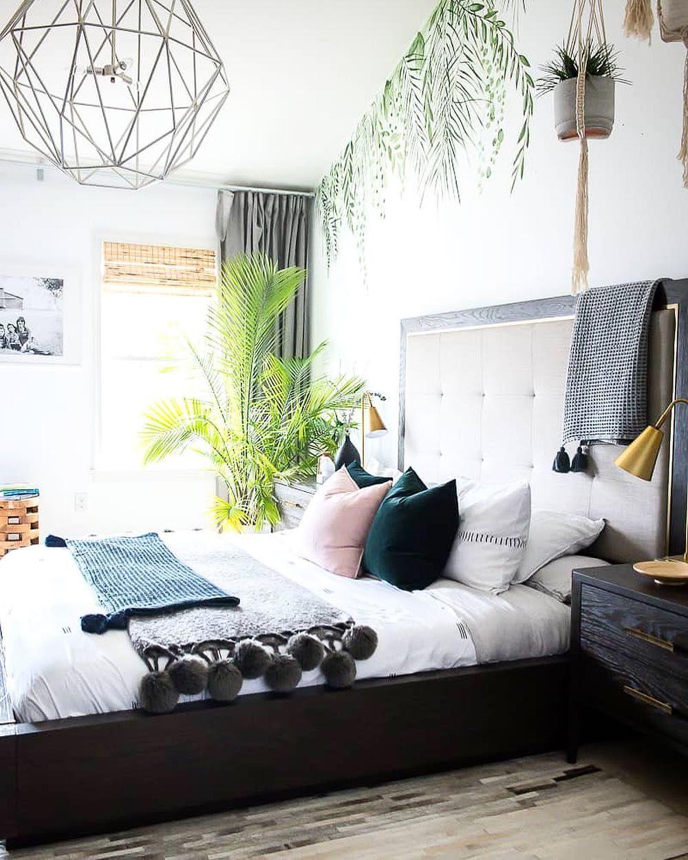 Avslappnat tropiskt sovrum