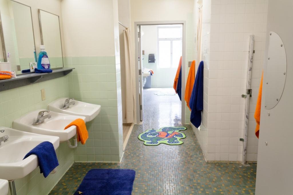 Trevligt badrum i sovsalen