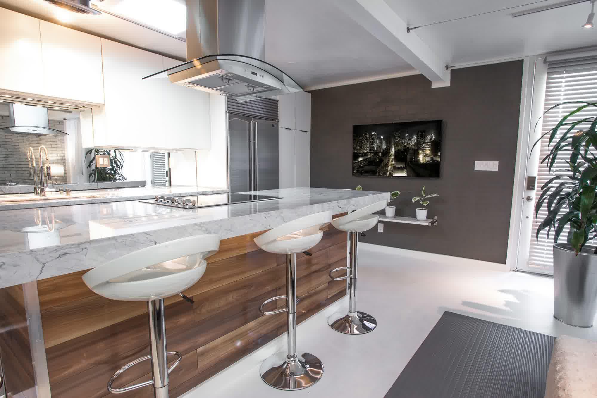 TV på köksväggen