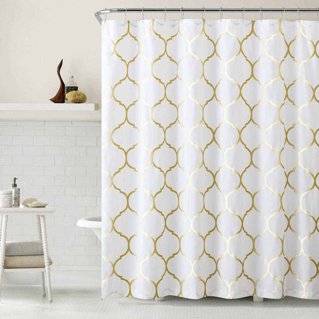 Enkelt badrum i vitt och guld
