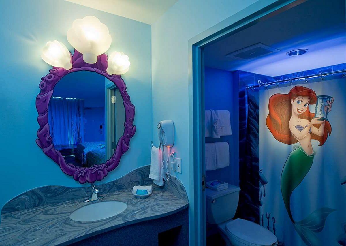 Söt sjöjungfru badrum