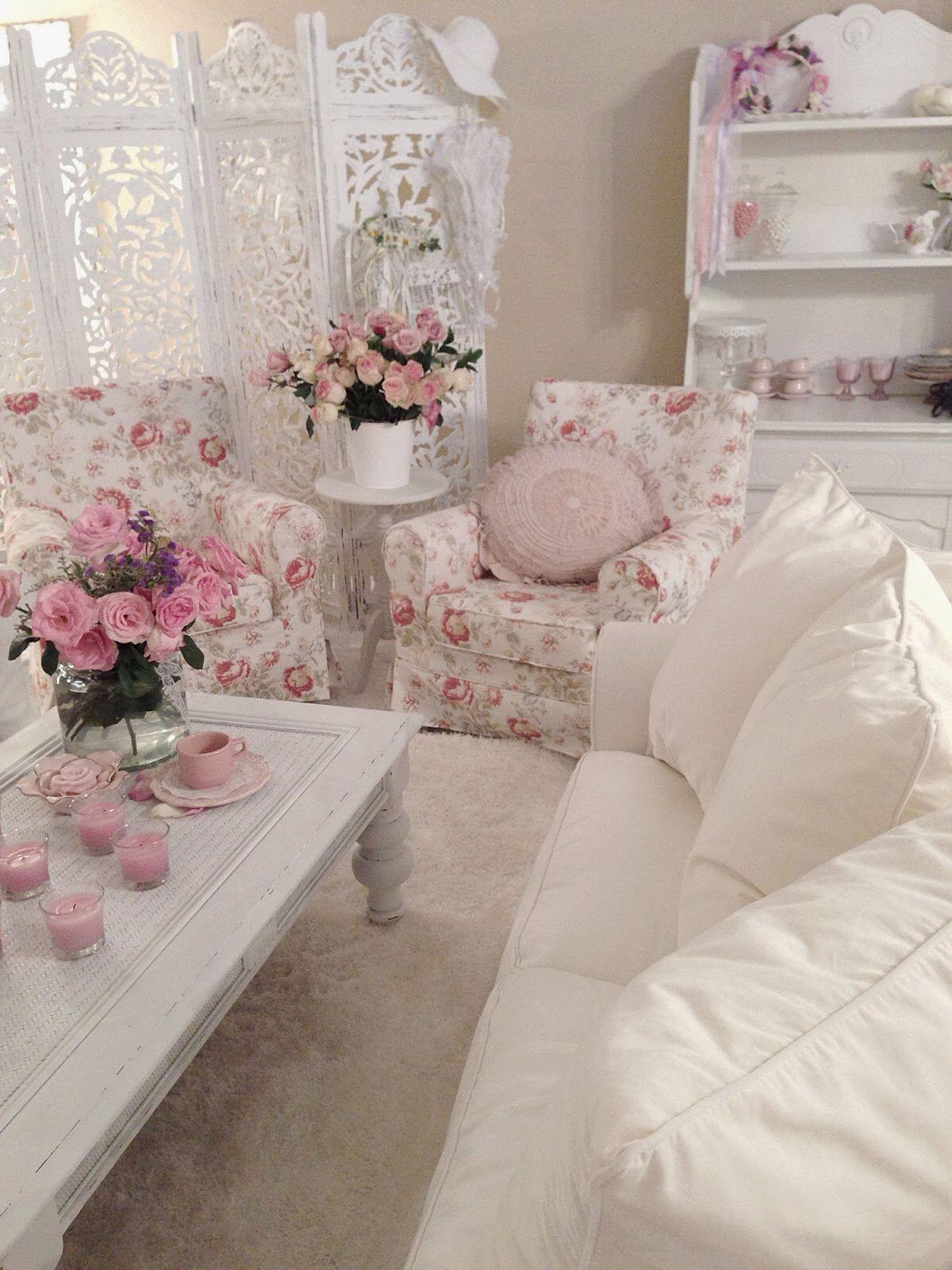 Blommigt sjaskigt vardagsrum.  Källa: Pinterest