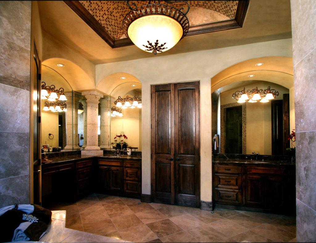 Traditionellt toskanskt badrum