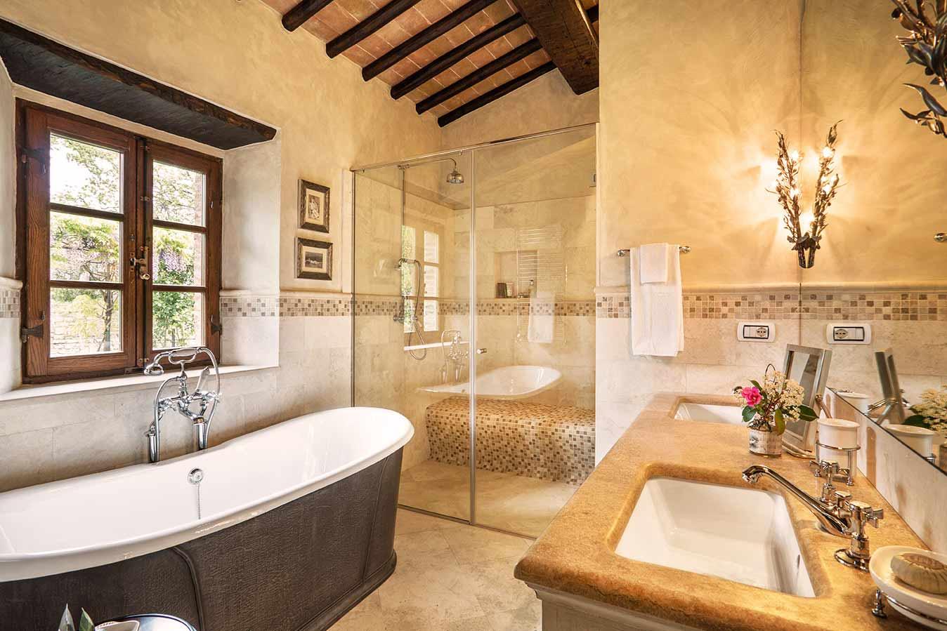 Enkelt toskanskt badrum