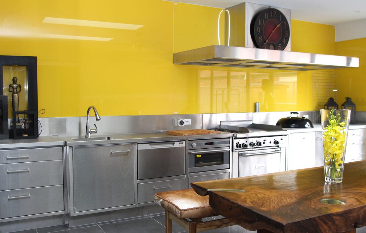 Blankt gult kök