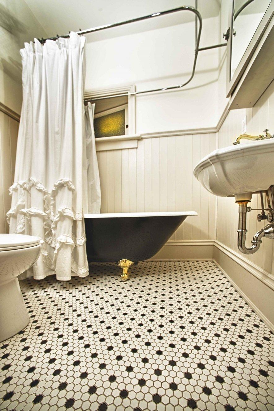Förföriskt retro badrum