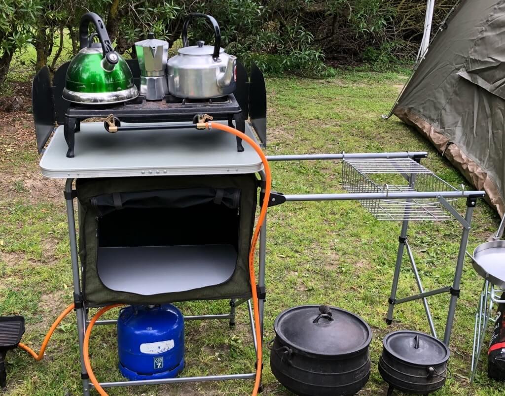 Trevligt utomhus camping kök