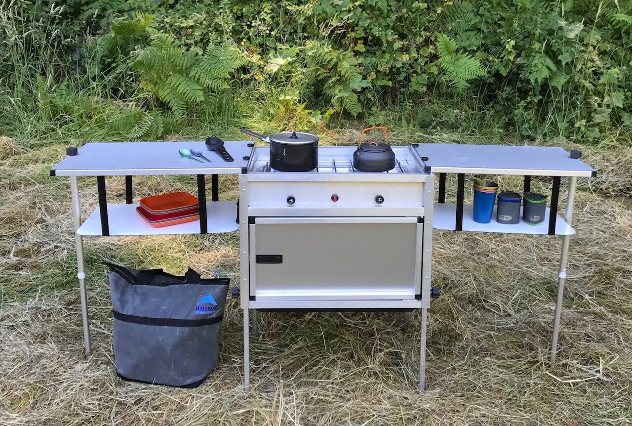 Äta utomhus campingkök