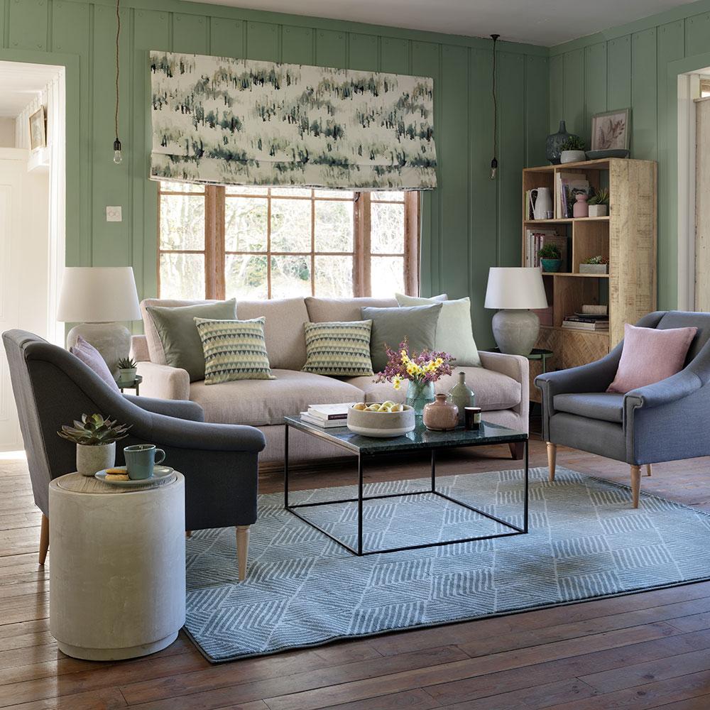 Enkel grått och grönt vardagsrum