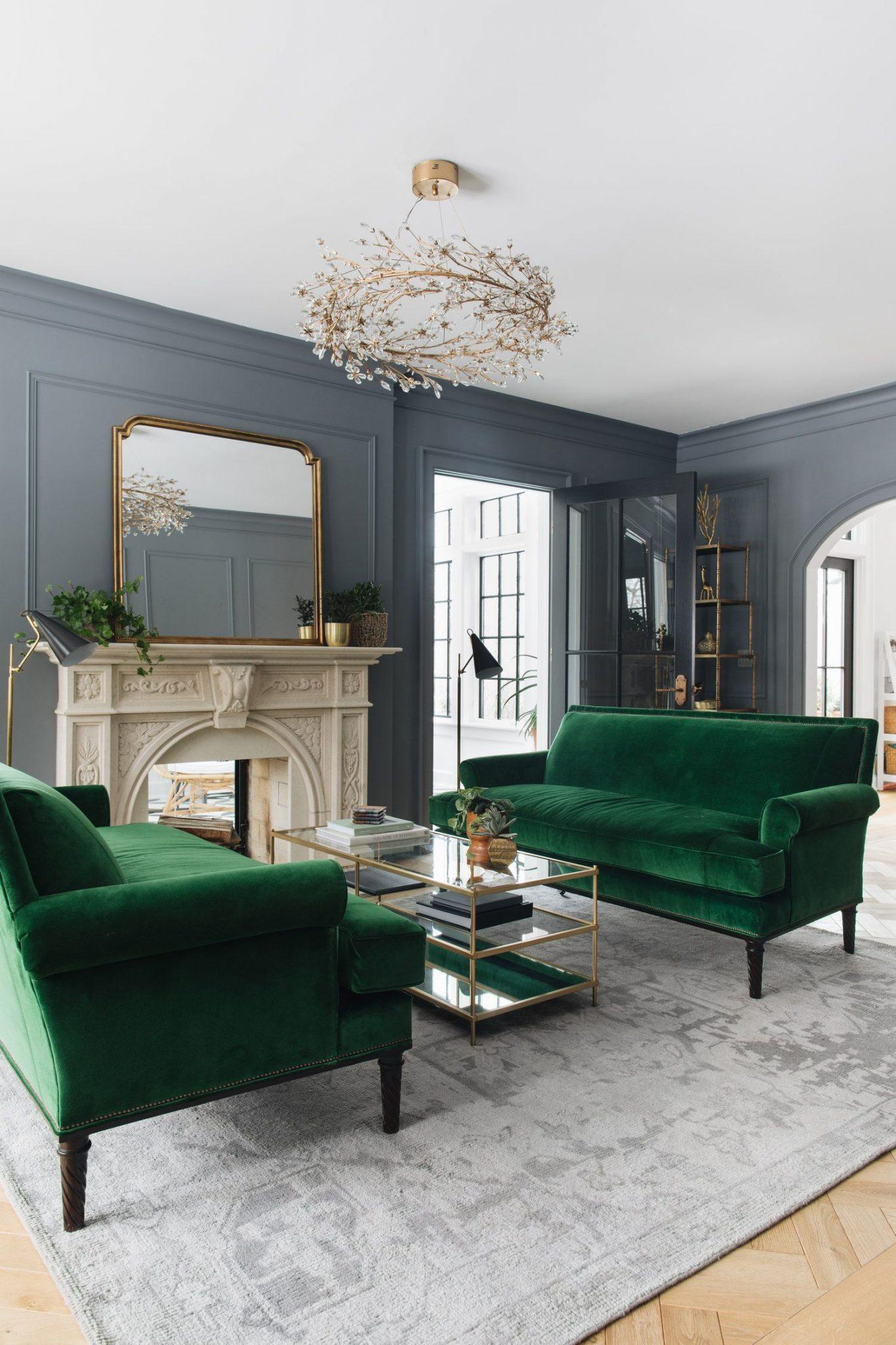 Gammaldags grått och grönt vardagsrum