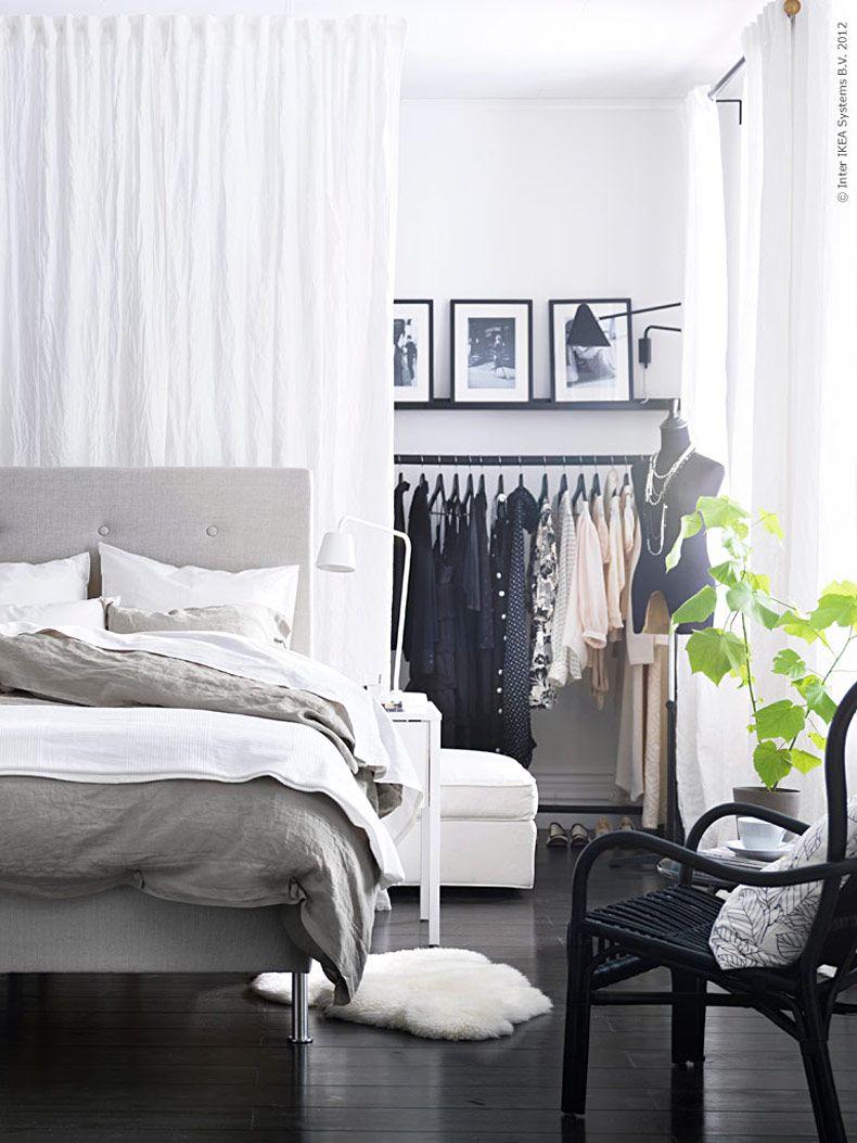Trevligt sovrum garderob