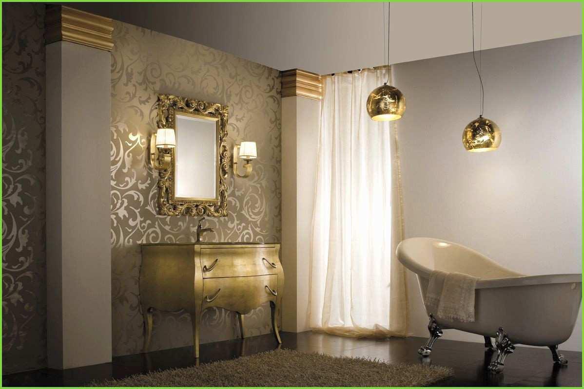 Dramatiskt badrum i guld