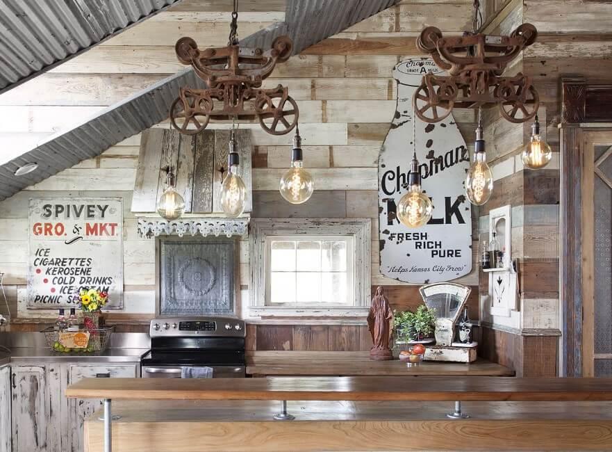 Fantastiskt rustikt bondgårdskåp för att dölja dina saker