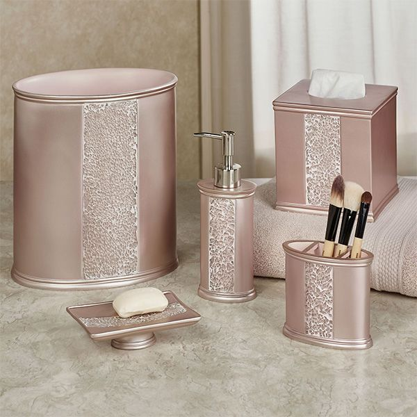 Sinatra Pale Blush Mosaic Bath Accessories |  Guld badrum inredning.