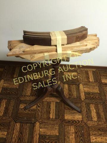 DUNCAN PHYFE STYLE RUNDBORD - PROJEKT |  Edinburg Auktionsförsäljning.