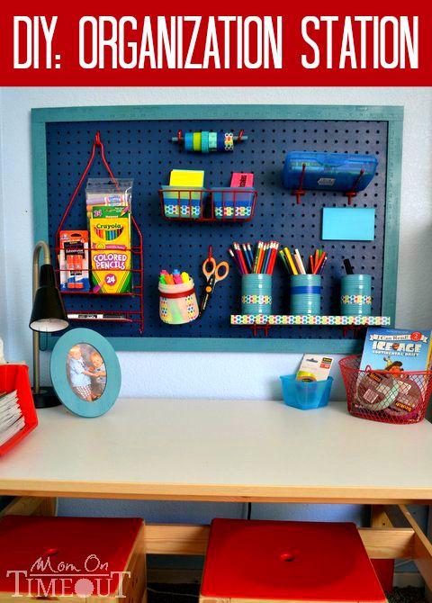 DIY organisationsstation |  Barn skrivbord organisation, Diy.